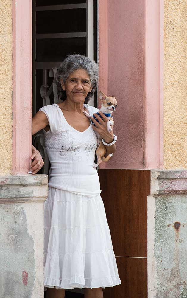 Dog Owner, Havana